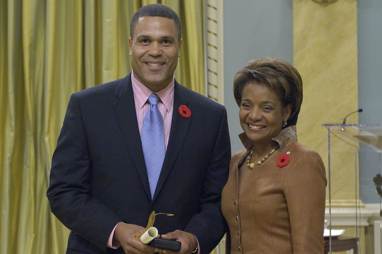 David Watkins accepting his award at Rideau Hall, 2007.