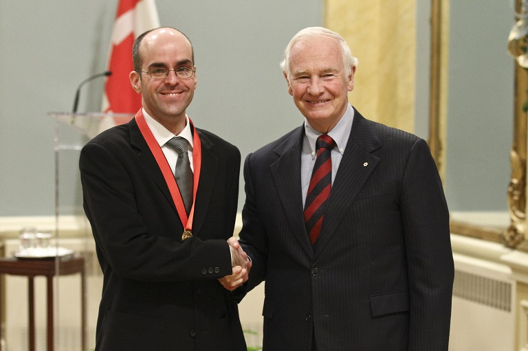 Michel Ducharme accepting his award at Rideau Hall, 2011.