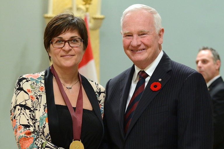 Manon St-Hilaire accepting her award at Rideau Hall, 2014.