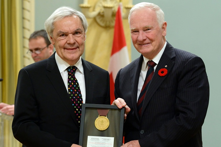 The History Alive! award being accepted on behalf of the Musées de la civilisation at Rideau Hall, 2014.