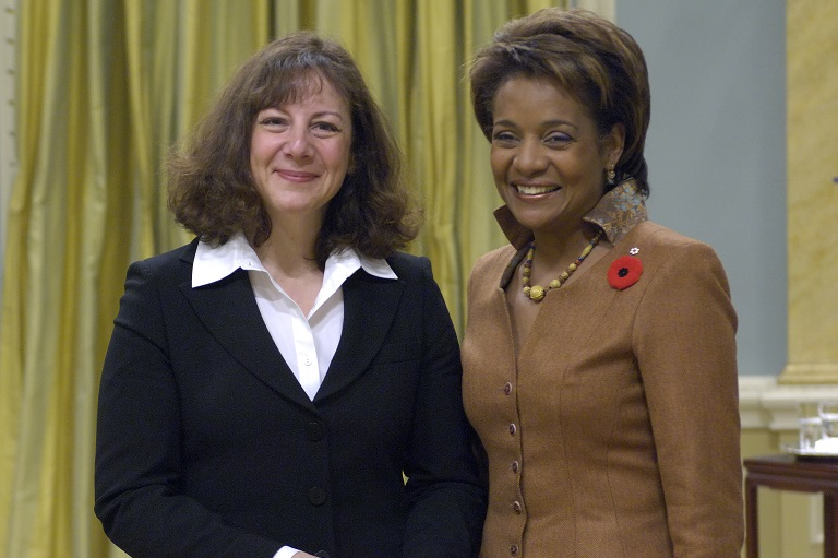 Rose Fine-Meyer accepting her award at Rideau Hall, 2007.